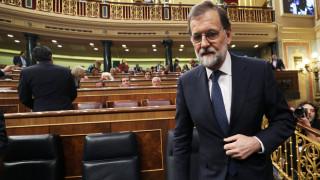 Έτοιμος να αναστείλει την αυτονομία της Καταλονίας ο Ραχόι