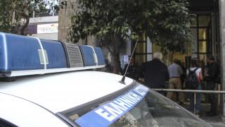 Εισβολή κουκουλοφόρων στο ιταλικό προξενείο της Θεσσαλονίκης (pics)