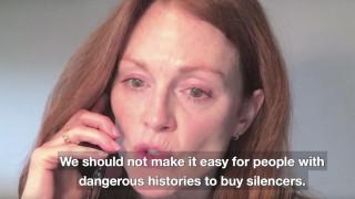 Τζούλιαν Μουρ, Έμα Στόουν & όλο το Χόλιγουντ καλεί σε πόλεμο κατά του λόμπι των όπλων στις ΗΠΑ