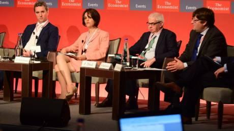 Συμβιβασμούς για γρήγορο κλείσιμο της αξιολόγησης αναζητεί η κυβέρνηση