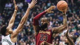 NBA: Η πρώτη μονομαχία του Αντετοκούνμπο με τον Λεμπρόν Τζέιμς (vids)