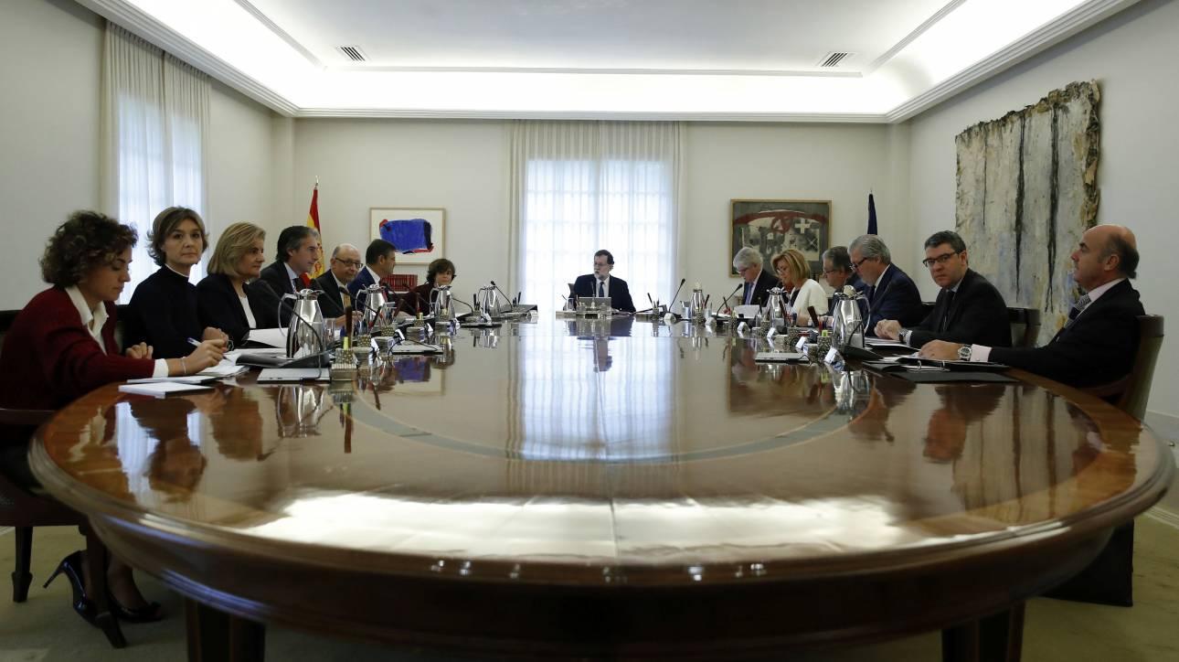 Ενεργοποιεί το Άρθρο 155 ο Ραχόι - Πρόωρες εκλογές στην Καταλονία