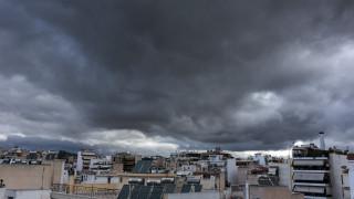 Ραγδαία επιδείνωση του καιρού - Έρχονται βροχές, καταιγίδες και πτώση της θερμοκρασίας