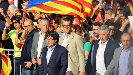Στους δρόμους και πάλι οι Καταλανοί - Στο πλευρό τους και ο Πουτζντεμόν