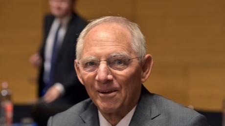Σόιμπλε: H Ελλάδα βρίσκεται σε καλό δρόμο και σύντομα θα βγει στις αγορές
