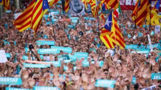 Μαδρίτη: Ο καταλανικός λαός να αγνοήσει τις οδηγίες της περιφερειακής κυβέρνησης