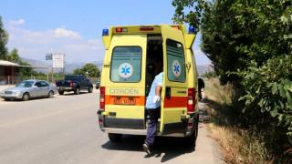 Αυτοκίνητο παρέσυρε και εγκατέλειψε μητέρα με τα δύο παιδιά της στην Πάτρα