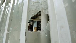 Επίθεση αγνώστων με πέτρες και μπογιές στην εφημερίδα Έθνος