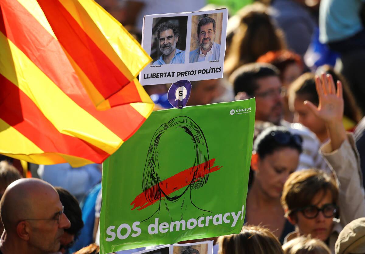 2017 10 21T152014Z 14475148 RC1AF326B6B0 RTRMADP 3 SPAIN POLITICS CATALONIA