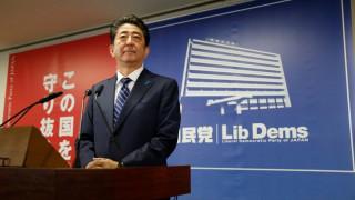 Ιαπωνία: Ο Άμπε δεσμεύθηκε «να ενεργήσει με αυστηρότητα» μπροστά στις απειλές της Βόρειας Κορέας