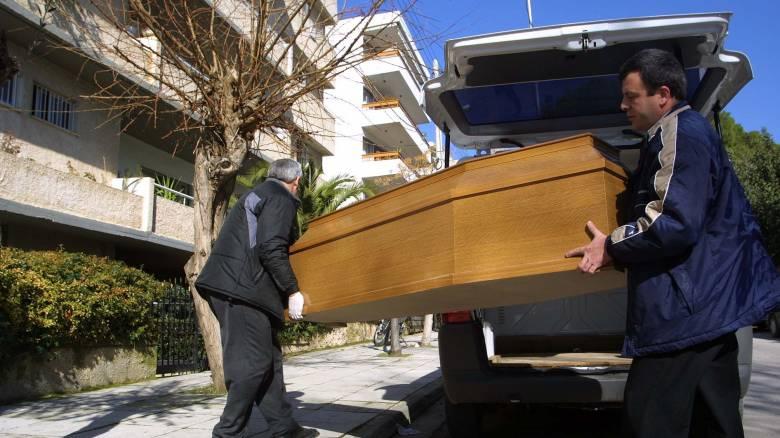 Κύπρος: Τα φέρετρα είναι ακριβά, η λύση είναι η ενοικίαση