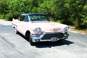 Η ροζ και μαύρη Cadillac του Πρίσλεϊ από το 1957