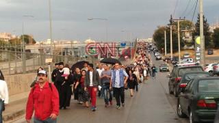 Πορεία διαμαρτυρίας στο υπουργείο Παιδείας για τις αλλαγές στα θρησκευτικά (pics&vid)