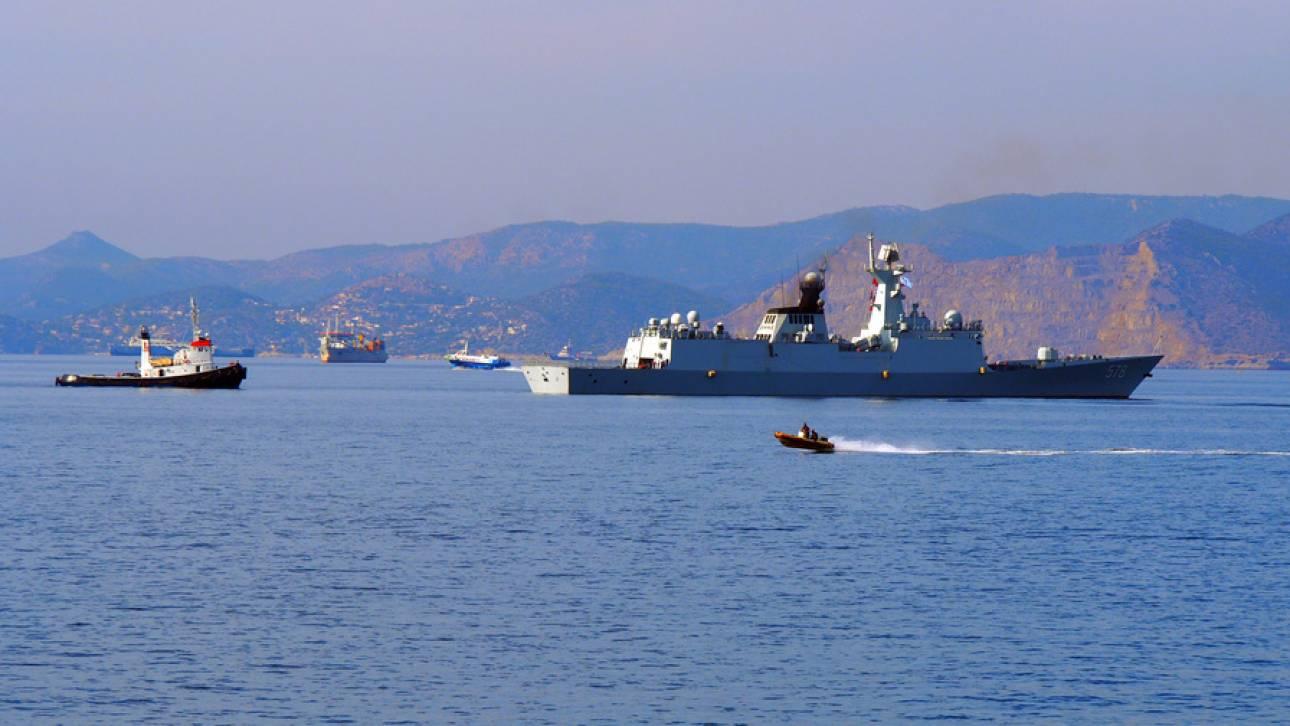Τρία πλοία του Πολεμικού Ναυτικού της Κίνας κατέπλευσαν στο λιμάνι του Πειραιά (pics)