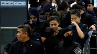 Επέστρεψαν στον τόπο του εγκλήματος οι κατηγορούμενες για τη δολοφονία του Κιμ Γιονγκ Ναμ (pics&vid)