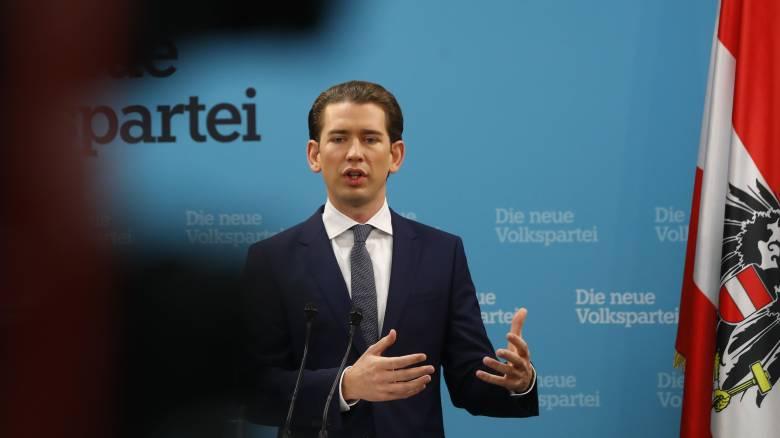Αυστρία: Ο Κουρτς θα συνομιλήσει με την ακροδεξιά για τον σχηματισμό κυβέρνησης