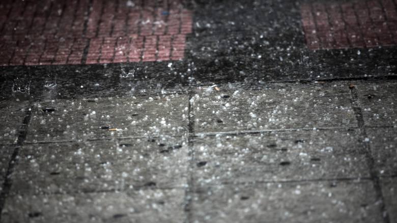 Με καταιγίδες, χαλάζι και χιόνια «σαρώνει» μεγάλο μέρος της χώρας ο «Δαίδαλος» (pics)
