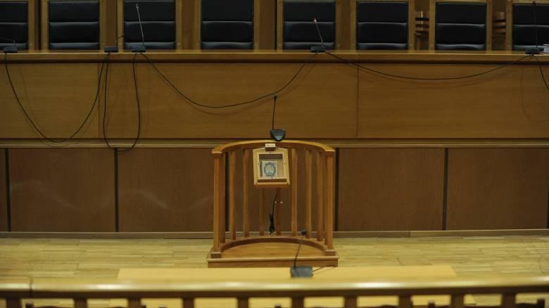 Ηράκλειο: Ποινή κάθειρξης 32 ετών σε πατέρα που βίαζε την ανήλικη κόρη του