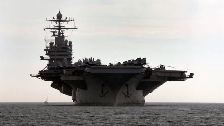 Οι ΗΠΑ στέλνουν μήνυμα ισχύος στην Ασία πριν το ταξίδι του Ντόναλντ Τραμπ (pics&vids)