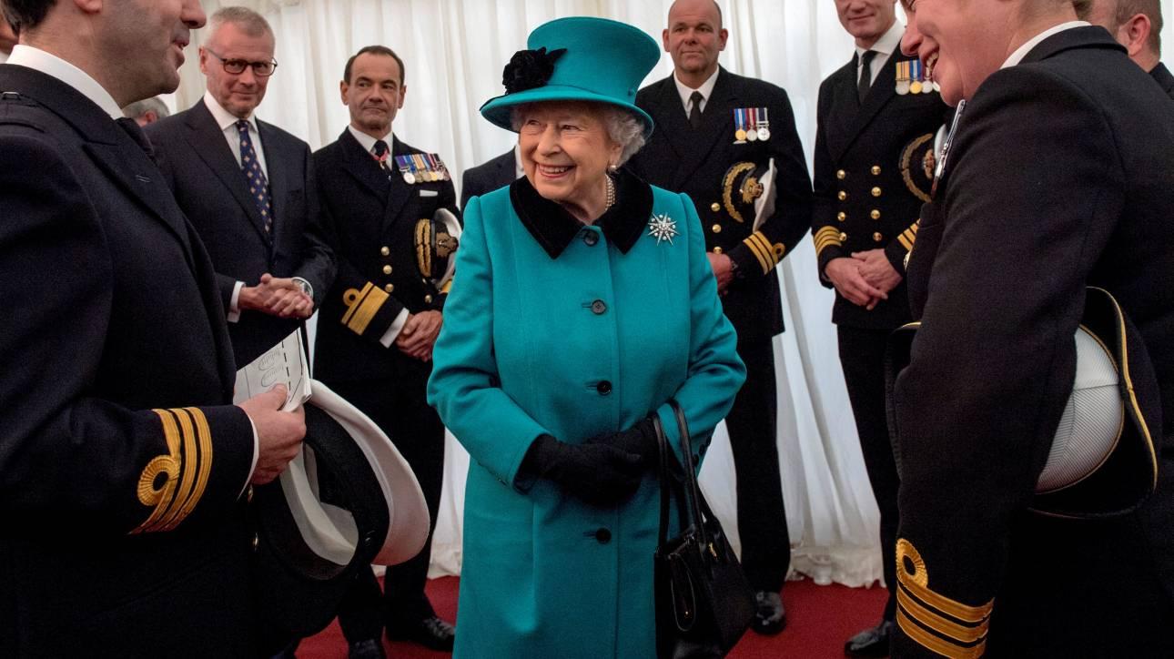 Η μοναδική ημέρα της εβδομάδας που η βασίλισσα Ελισάβετ έχει μαζί της χρήματα