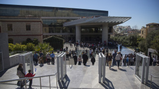 Επίσκεψη στο Μουσείο της Ακρόπολης για το ζεύγος Σαρκοζί