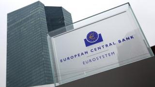 ΕΚΤ: Συνεχίζεται η συρρίκνωση του ελληνικού τραπεζικού τομέα