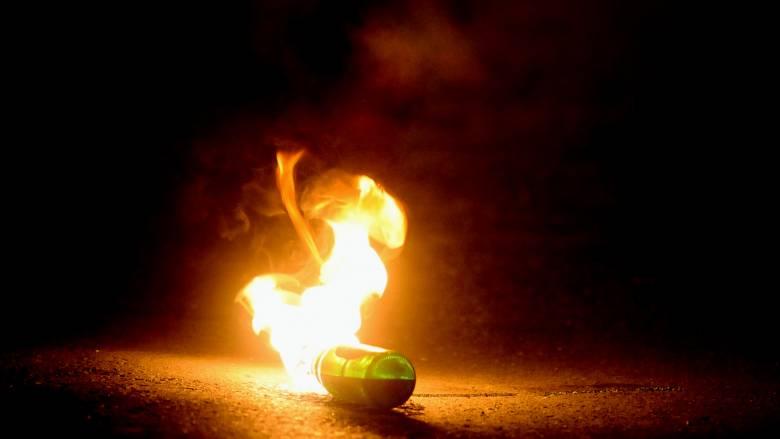 Επίθεση στο ΑΤ Πεύκης με μολότοφ: Λίγο έλειψε να καεί ζωντανός ο φρουρός