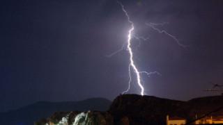 Ο «Δαίδαλος» έφερε 11.000 κεραυνούς-Σε ποιες περιοχές το «έστρωσε» από το χαλάζι (vids)