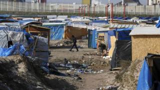 Γαλλία: «Αληθοφανείς» οι καταγγελίες περί κακοποίησης προσφύγων στη «ζούγκλα» του Καλαί