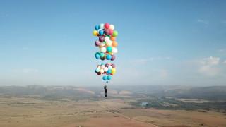 Όταν η ζωή αντιγράφει την τέχνη: Μαγική πτήση με μπαλόνια πάνω από τη Νότια Αφρική