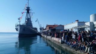 Εορταστικές εκδηλώσεις στη Θεσσαλονίκη - Εντυπωσιακές επιδείξεις των ΟΥΚ στο Αβέρωφ (vids)