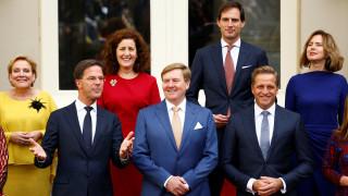 Ορκίστηκε η νέα κυβέρνηση του Μαρκ Ρούτε στην Ολλανδία (pics)