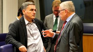 Μηδενισμό των ληξιπρόθεσμων οφειλών του Δημοσίου ζητούν οι θεσμοί