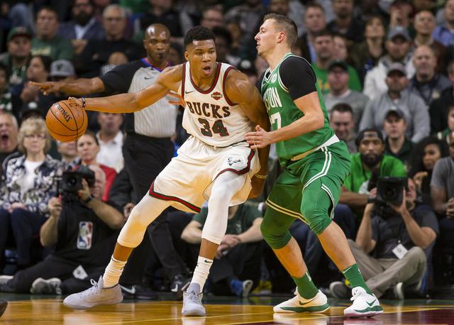 2017 10 27T012747Z 1189888730 NOCID RTRMADP 3 NBA BOSTON CELTICS AT MILWAUKEE BUCKS
