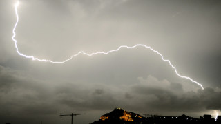 Έκτακτο δελτίο επιδείνωσης καιρού: Με καταιγίδες και χαλάζι οι παρελάσεις