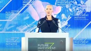 Η Σοφία το ρομπότ πήρε υπηκοότητα από τη Σαουδική Αραβία (vid)