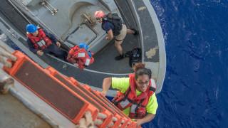 Διασώθηκαν ύστερα από περιπέτεια... πέντε μηνών στον Ειρηνικό Ωκεανό (pics&vid)