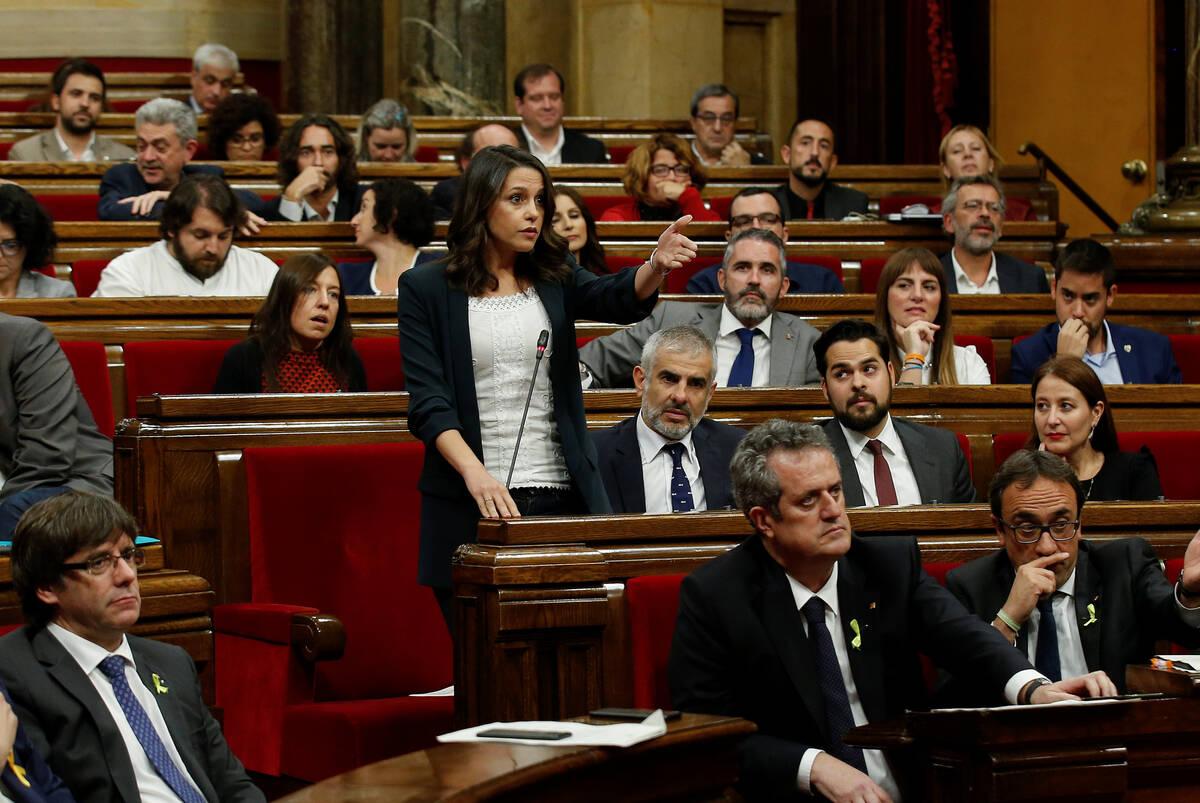 2017 10 27T125209Z 134686399 RC17DF1386A0 RTRMADP 3 SPAIN POLITICS CATALONIA