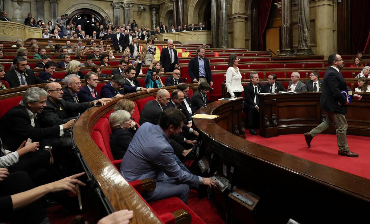 2017 10 27T131007Z 1535827940 RC18DFC9EBD0 RTRMADP 3 SPAIN POLITICS CATALONIA