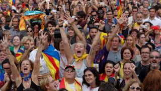 Οι Καταλανοί ανακήρυξαν ανεξαρτησία από την Ισπανία