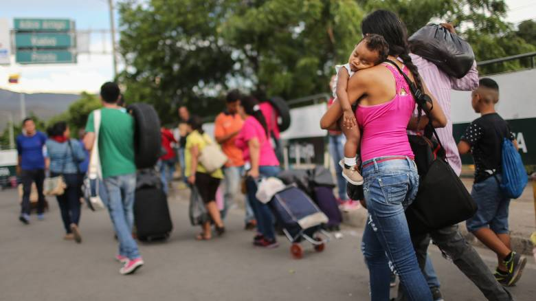 Βενεζουέλα: 470.000 πολίτες εισήλθαν στην Κολομβία λόγω της κρίσης