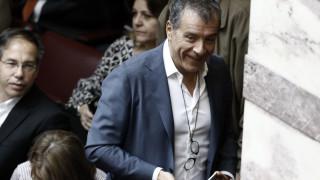 Θεοδωράκης: Μπορούμε να κάνουμε το θαύμα του 15% με την Κεντροαριστερά