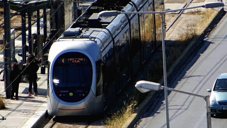 Μετ' εμποδίων η κυκλοφορία του τραμ