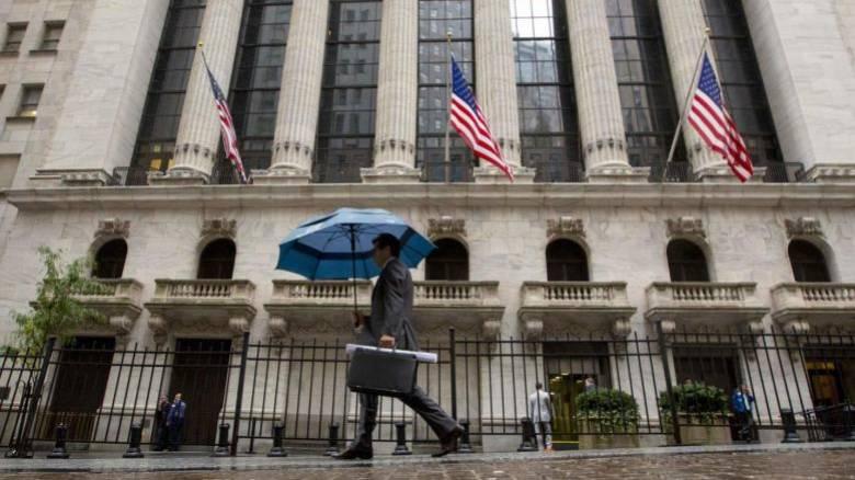 Ισχυροί άνεμοι και καταρρακτώδεις βροχές θα «χτυπήσουν» τη Νέα Υόρκη (vids)
