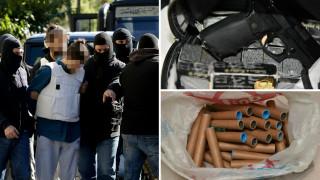 Το «οπλοστάσιο» του αποστολέα των τρομοδεμάτων, που αντιμετωπίζει βαριές κατηγορίες (pics)