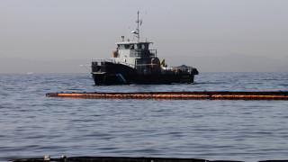 Σαρωνικός: Παραμένει η ρύπανση από την πετρελαιοκηλίδα σύμφωνα με το ΕΛΚΕΘΕ