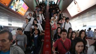 Τέλος το ετήσιο πένθος για τους Ταϊλανδούς - «Πέταξαν» τα μαύρα ρούχα