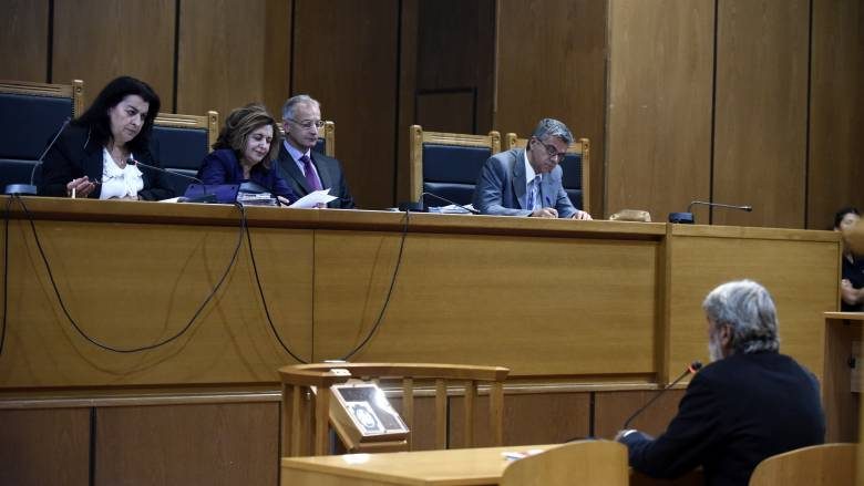 Νέα παράταση στην κατάθεση των προστατευομένων μαρτύρων στη δίκη της Χ.Α.