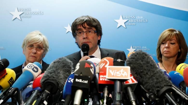 Καταλονία: Το Συνταγματικό Δικαστήριο ακύρωσε την ανεξαρτησία, ο Πουτζντεμόν δεν ζητά άσυλο