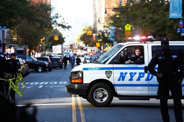 2017 10 31T203704Z 1008989752 HP1EDAV1L9R17 RTRMADP 3 NEW YORK SHOOTING